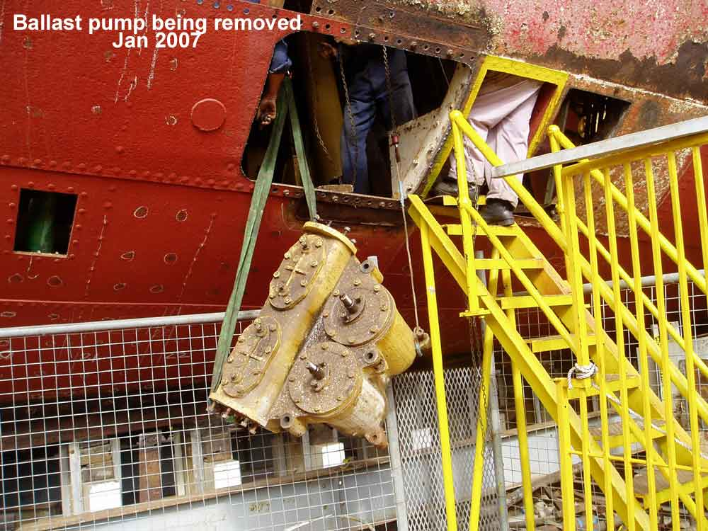 JO-Ballast-pump-being-removed-2007